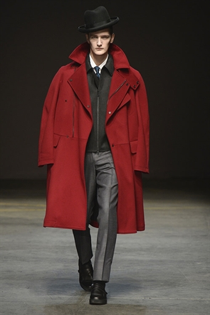 fall 2014, best looks from lcm, e tautz menswear, amazing red coat, e tautz runway, blogger recommendation